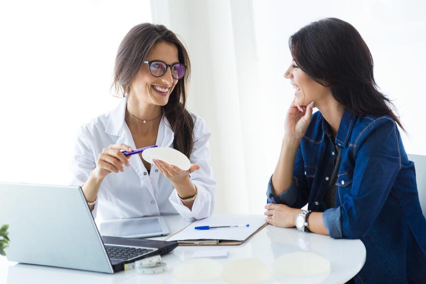 tipos implantes protesis mamarias