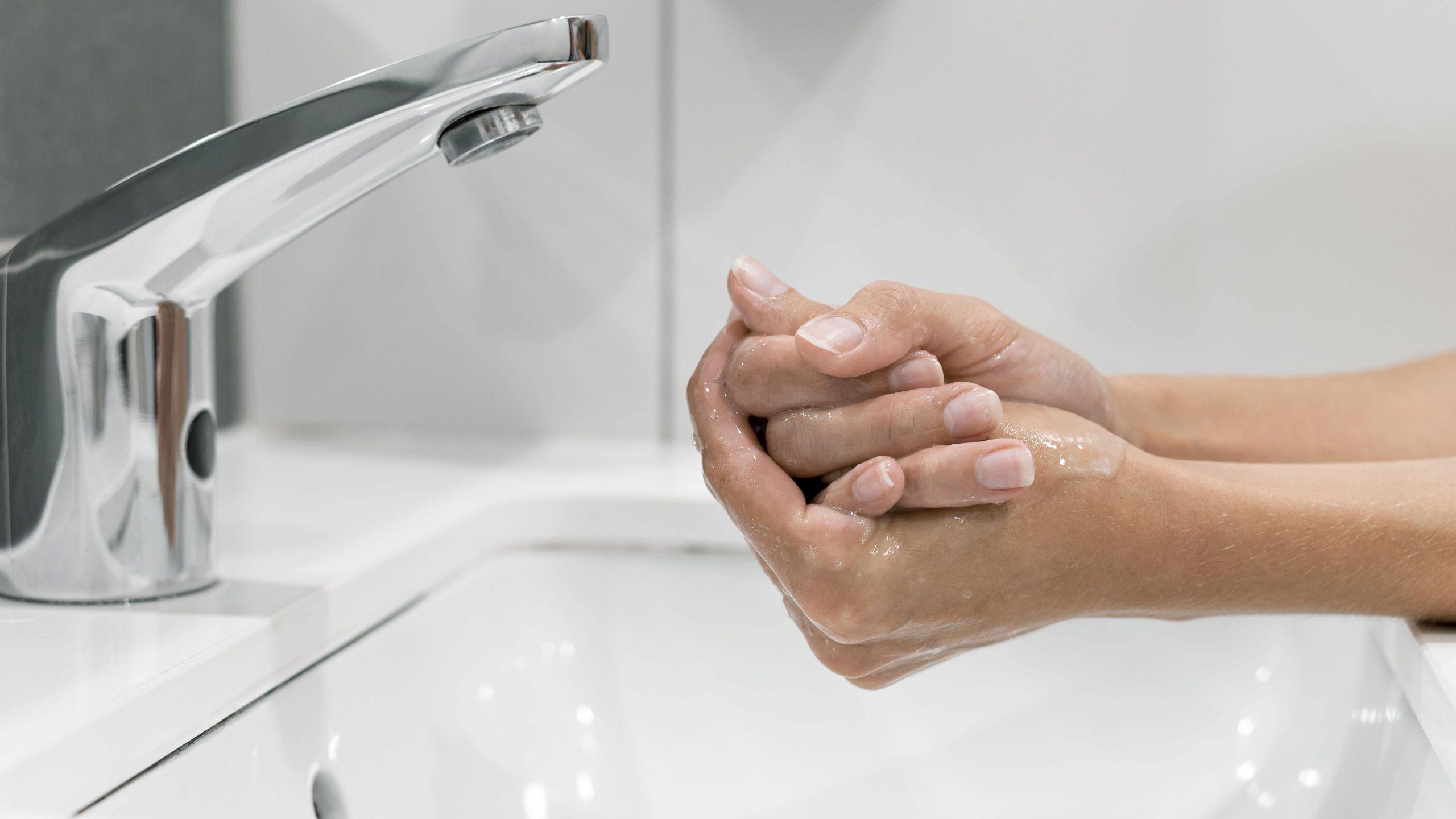 como cuidar la piel de las manos